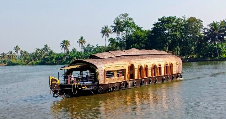 Amazing Kerala with Madurai A Luxury Holiday Tour India